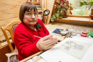 Dailininkė A. Žiupsnytė: dideles idėjas matau žiede, paukštyje, debesyje