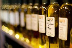 Kaip išsirinkti tikrai naudingą alyvuogių aliejų?