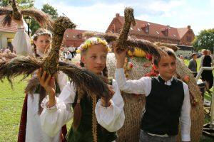 Derliaus šventė Raudondvaryje vilios ne tik gardumynais