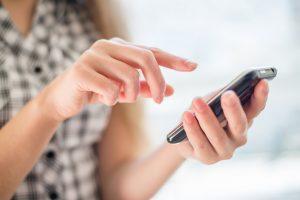 Ekspertai: prieš telefonus nutaikyti savarankiškai veikiantys virusai