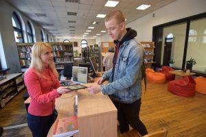 Naujovė Kauno bibliotekoje – skolinamos elektroninės skaityklės