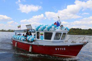Tarp Zapyškio ir Kulautuvos plaukiojantis laivas susidūrė su iššūkiais
