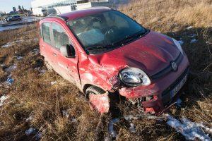 Po avarijos Šilainiuose viena vairuotoja atsidūrė ligoninėje