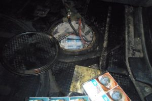 Degalų bake vietoj benzino – 700 pakelių kontrabandinių cigarečių