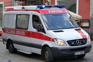 Estijoje susidūrė traukinys ir mikroautobusas
