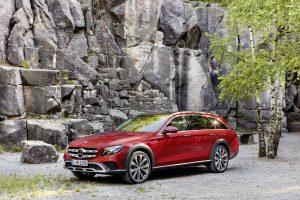 """Universaliausias E klasės """"Mercedes-Benz"""" pasiekė Lietuvą"""