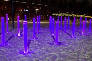 Nufilmuota, kaip vandalai niokojo Lukiškių aikštės fontaną