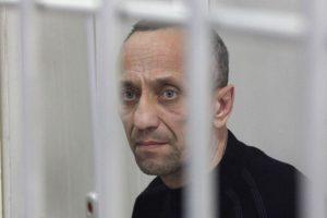 Rusijoje buvęs policininkas nuteistas už 56 žmogžudystes