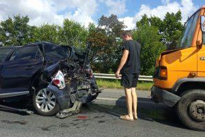 Eismą Kaune paralyžiavo dvi avarijos, yra nukentėjusiųjų
