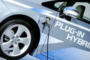 Dyzelinis, benzininis ar hibridinis: kuris automobilis – taupiausias?
