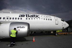 """""""airBaltic"""" per penkerius metus įdarbins 1000 naujų specialistų"""