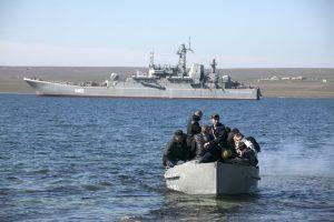 Netoli Krymo nuskendo Rusijos keltas: trys įgulos nariai dingo