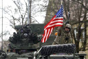 Lenkijoje apgadinta 10 JAV karinių mašinų
