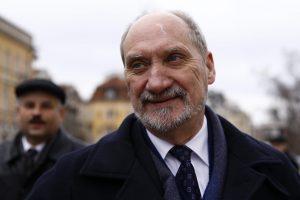 Ministras apkaltino D. Tuską išdavyste dėl prezidento lėktuvo katastrofos tyrimo