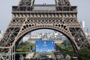 Prancūzijoje apie teroro išpuolius perspės išmaniųjų telefonų programėlė