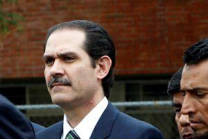 Korupcija kaltinamas buvęs Meksikos gubernatorius pasidavė pareigūnams
