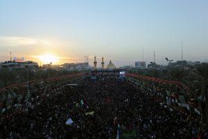 Milijonai šiitų suplūdo į Karbalos miestą švęsti Arbainą