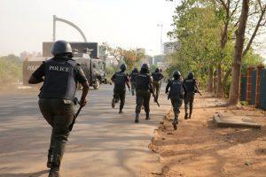 Nigerijoje per mirtininkės išpuolį žuvo mažiausiai trys žmonės