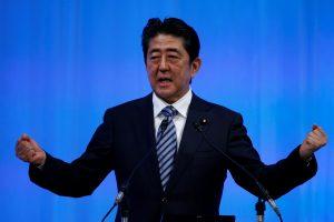 Sh. Abe gali vadovauti Japonijai iki 2021 metų