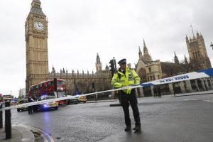 Išpuolis Londone: žuvo keturi žmonės, apie 40 sužeista