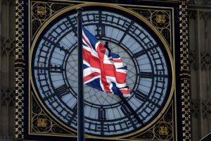"Britanija sako per ""Brexit"" derybas nesileisianti bauginama ES"