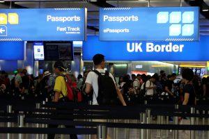 """Britanijos oro uostuose po """"Brexit"""" tikėtinas chaosas: kaip jo išvengti"""