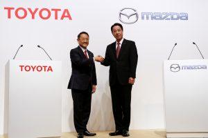 """""""Toyota"""" ir """"Mazda"""" į gamyklos statybą JAV investuos 1,6 mlrd. dolerių"""