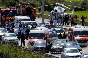 Paryžiaus priemiestyje automobilį į karius nukreipė Alžyro pilietis
