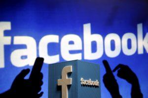 """Rusija grasina blokuoti """"Facebook"""""""