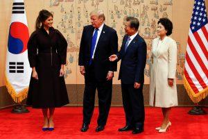 Į D. Trumpo meniu Pietų Korėjoje įrašytas padažas – senesnis už JAV