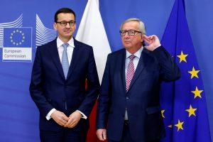 Lenkijos vyriausybę pertvarkęs premjeras gerina santykius su ES