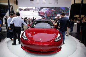 """Inžinierių tyrimas parodė, kad su """"Tesla Model 3"""" kažkas ne taip"""