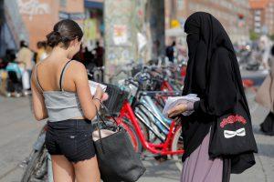 Danijoje uždrausta dėvėti veidą dengiančius drabužius