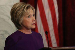Nesėkmę patyrusi H. Clinton dalyvaus D. Trumpo inauguracijoje