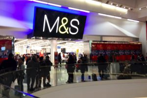 """""""Marks & Spencer"""" uždarys vienintelę parduotuvę Lietuvoje"""