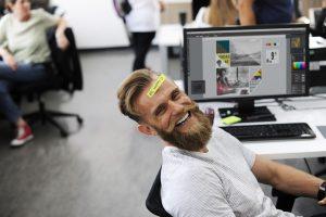Tyrimas: nelaimingas darbe jaučiasi tik kas trečias lietuvis