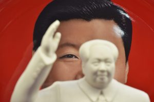 Ekonomistai giria Kinijos prezidentą, kinai svarsto apie emigraciją