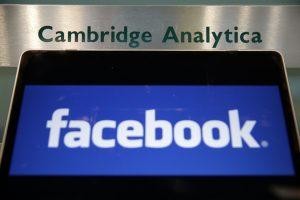 """""""Cambridge Analytica"""" dirbęs lietuvis: įmonė projektų Lietuvoje nevykdė"""