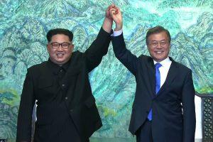 Istorinis įvykis: Pietų ir Šiaurės Korėjos pasirašys taikos sutartį užbaigdamos karą