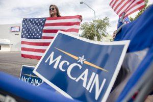 NATO naująją būstinę pavadins J. McCaino garbei?