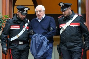 Europoje ir Pietų Amerikoje sulaikyti 90 italų mafijos grupuotės narių