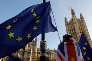 Londonas ketina dar aktyviau ruoštis išstojimui iš ES be sutarties