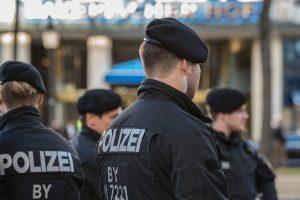 Vokietijoje dėl ispanų turistų užpuolimo sulaikyti šeši rusų chuliganai
