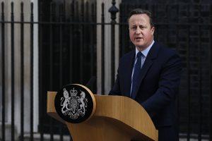Britanija traukiasi iš ES: D. Cameronas atsistatydins