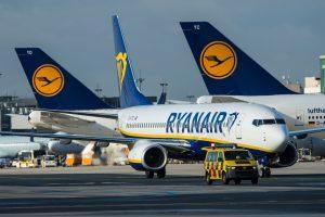 """""""Ryanair"""" dėl sumažėjusio pelno kaltina """"Brexit"""""""