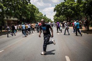 Konge per protestus prieš prezidentą žuvo mažiausiai 26 žmonės