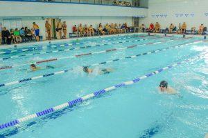 Aistra plaukimui užgožė negalią