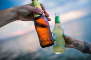 Įvertino alkoholio ribojimus: tvarka būtų griežtesnė nei Skandinavijoje