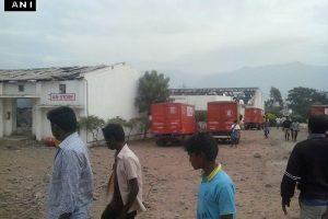 Indijoje per sprogimą sprogmenų fabrike žuvo mažiausiai du darbininkai