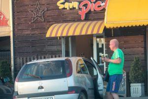 Į piceriją – nelegaliai įsigyti alkoholio